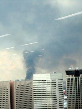 東京湾方向から煙.jpg